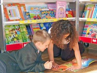 Book Fair photo - kids reading