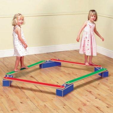 Children on balancing beams