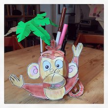 make a monkey pen holder